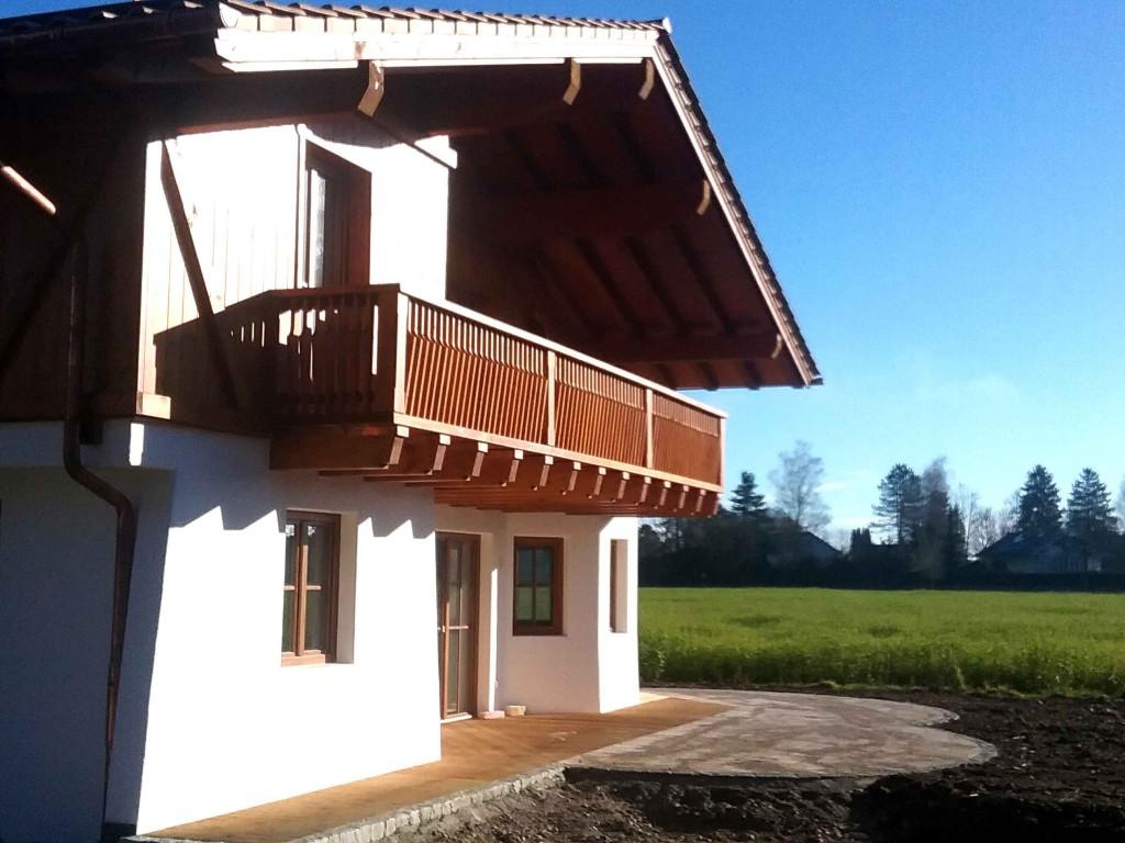 Neubau: Dach, Dachstuhl, Balkon und Brettermantel von Tobias Greinwald – Zimmerei / Bautenschutz / Trockenbau