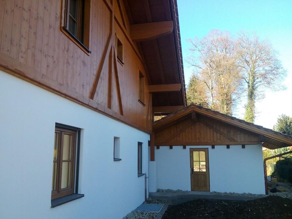 Neubau: Dachstuhl, Dach und Brettermantel an Haus und Garage von Tobias Greinwald – Zimmerei / Bautenschutz / Trockenbau