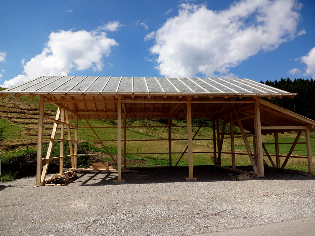 Stadel und Nutzgebäude aus Holz: Holzstadel von Tobias Greinwald – Zimmerei / Bautenschutz / Trockenbau